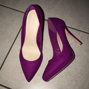 Fuchsia pointy heel